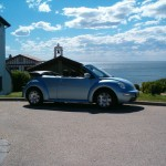 vw new beetle cabriolet devant chapelle
