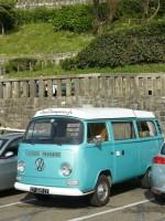 VW combi à la plage la Côte des Basques