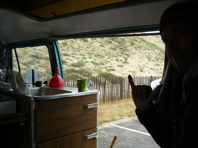 petit déjeuner avant la session de surf au Penon