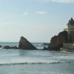 spot de surf la cote des basques avec la villa belza